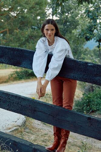 Linza. Blusa algodón romántica