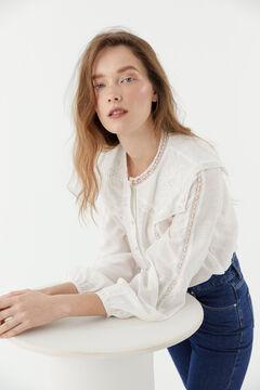 Hoss Intropia Tiana. Camisa romántica con apliques Blanco