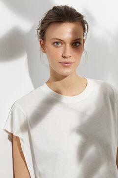 Hoss Intropia Prima. Camiseta algodón orgánico sisa abierta Blanco