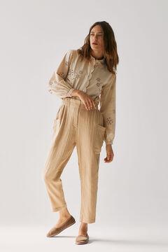 Conjunto de camisa romántica, pantalón algodón y zapatos terciopelo
